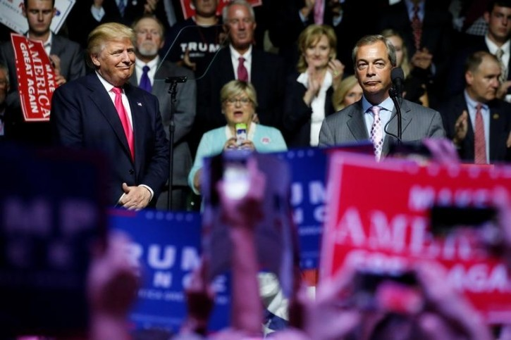 Brexit, Farage sul palco con Trump in Mississippi