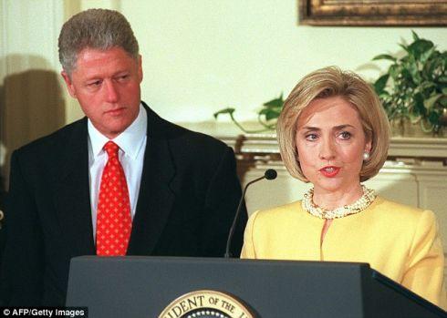 00160509Bill-Hillary