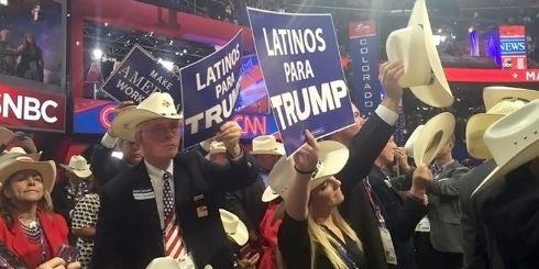 00160823Latinos-Trump