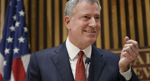 b_490_390_16777215_00_images_Democratici_bill-de-blasio.jpg