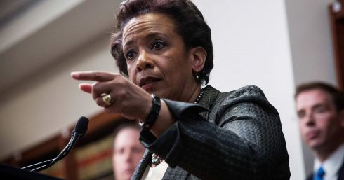 b_490_390_16777215_00_images_Obama_Loretta-Lynch.jpg